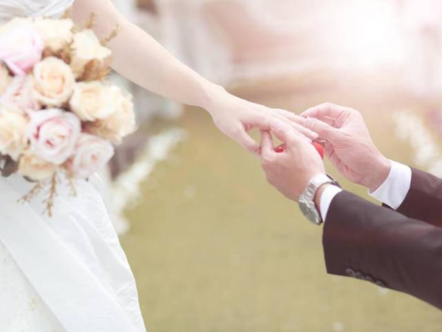 Cô gái hủy hôn sát ngày cưới vì bạn trai không mua nhẫn, không cho đăng ảnh cưới