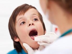 Viêm amidan ở trẻ: Dấu hiệu, nguyên nhân và cách điều trị
