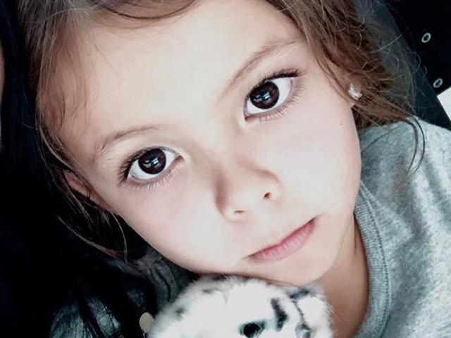 Vẻ đẹp đáng yêu của con gái Hồng Nhung khiến ai cũng muốn có được một đứa con lai