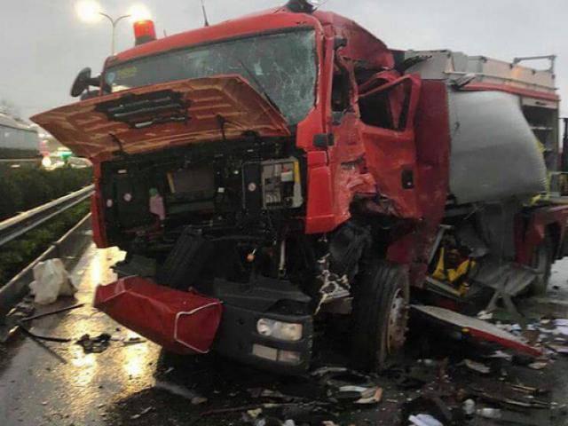 Vụ xe chữa cháy va chạm xe khách trên cao tốc: Chưa xác định ai sai, ai đúng