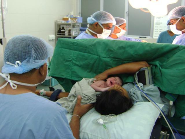 Chọn ngày giờ tốt cho bé chào đời bằng sinh mổ - hậu quả khó lường