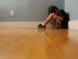 Những dấu hiệu sớm phát hiện trẻ tự kỷ bố mẹ cần biết