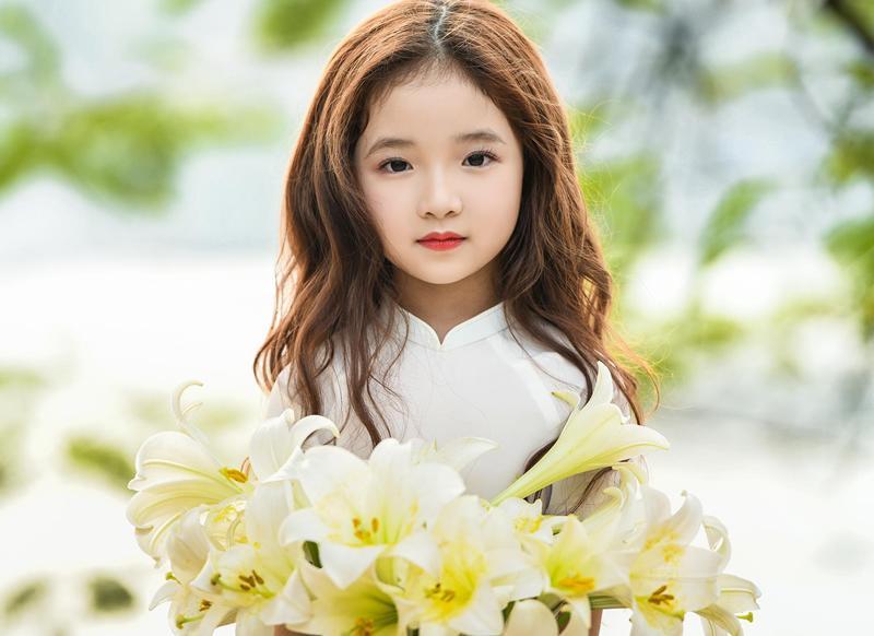 Mới chỉ hơn 6 tuổi nhưng Hà Linh từng tham gia mẫu nhí cho nhiều bộ ảnh ấn tượng.