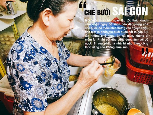 Hàng chè bưởi 10 năm tuổi có cùi bưởi siêu to, cốt dừa béo ngậy ở Sài Gòn