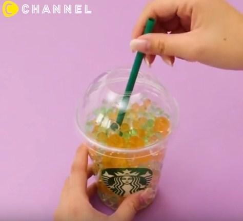Tưởng chỉ uống rồi bỏ đi, hóa ra cốc nhựa đựng cafe còn làm được nhiều thứ đồ đến vậy - 11