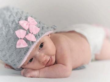 Trẻ sơ sinh không đi ngoài, bố mẹ cần xử trí như thế nào?