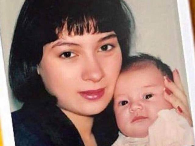 Hình ảnh ít thấy của Phi Nhung và con gái ruột ngày còn nhỏ