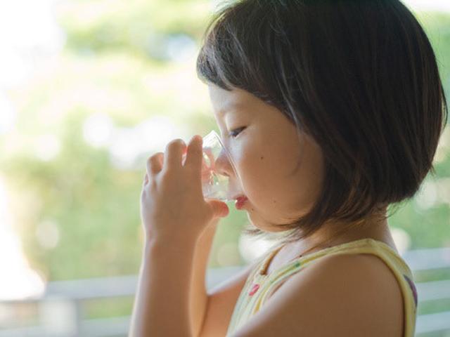 Pha sai tỷ lệ oresol dễ gây ngộ độc