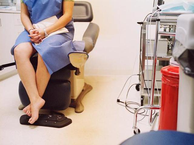 Đốt viêm lộ tuyến cổ tử cung ở phòng khám ngoài, cô gái 9X ngớ người nhận hậu quả