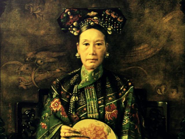 Từ Hy Thái Hậu: Giật mình với bữa cơm xa hoa, chỉ tắm thôi cũng cầu kỳ tốn kém