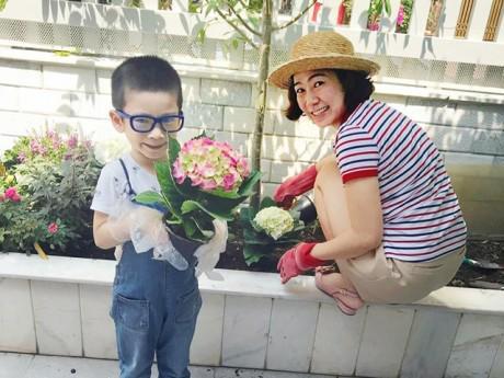 Thăm ngôi nhà phố giản dị đầy rau hoa xanh tốt của gia đình MC Thanh Thảo Hugo