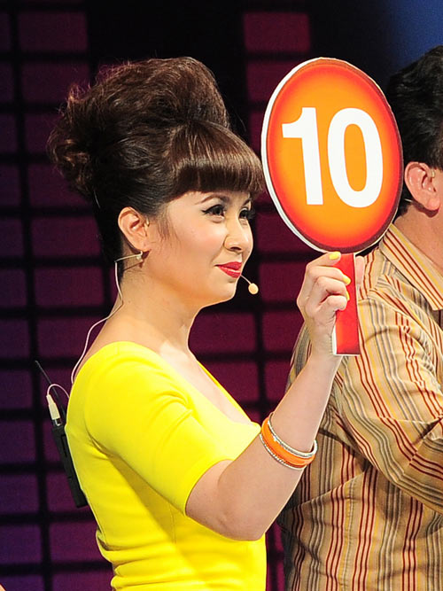 "cdhh: my le ""bat tay"" luu thien huong - 1"