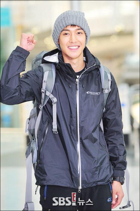 kim hyun joong, eunhyuk tren duong den vn - 3