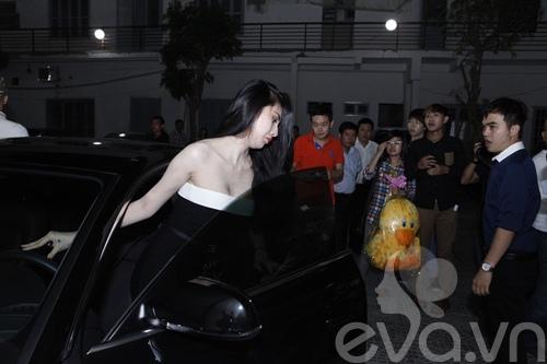 thuy tien lai xe 4 ty di lam giam khao - 5