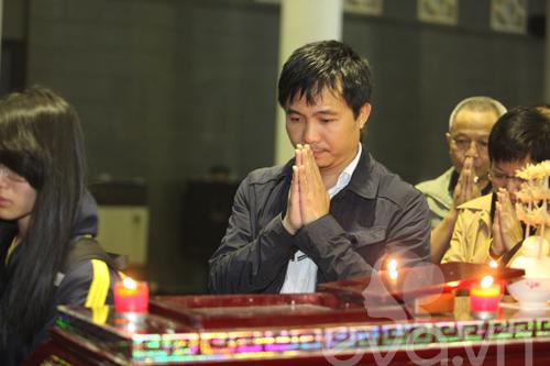 Đám tang nghệ sĩ Văn Hiệp đẫm nước mắt-19
