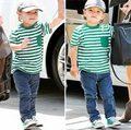 Làng sao - Nhóc Flynn vẫy tay chào phóng viên