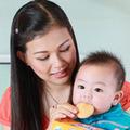 Làm mẹ - Khi nào nên cho bé tập nhai?