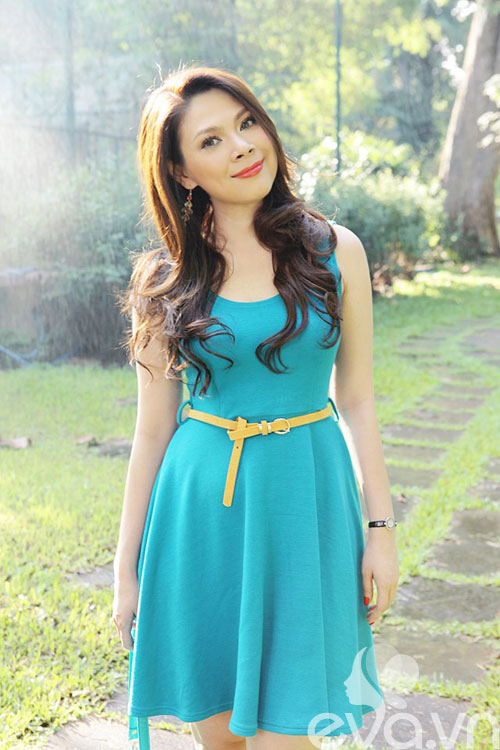 thanh thao hat cho sinh vien nghe - 1