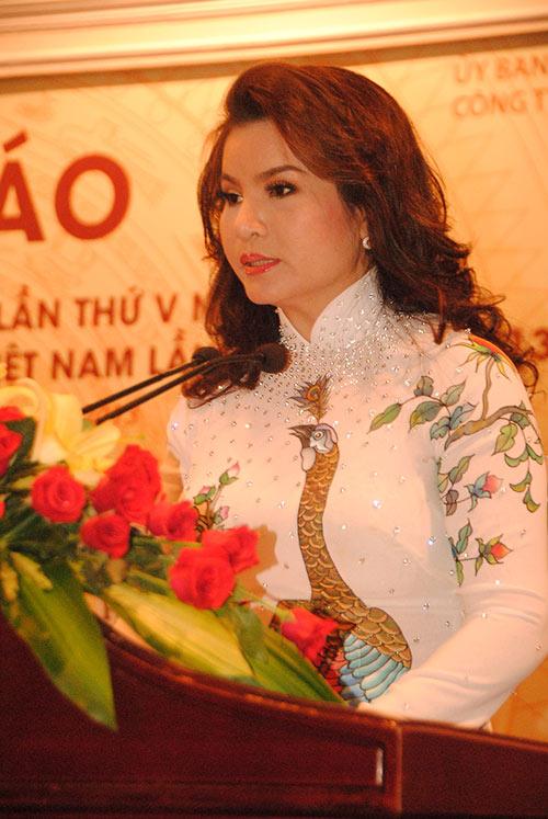 """thi sinh hh dan toc co chieu cao """"khung"""" - 7"""