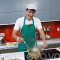 Làng sao - Huy Khánh vào bếp vì hạnh phúc gia đình