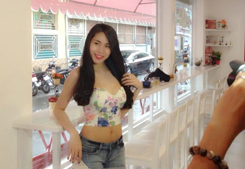 """thuy tien khoe """"eo be, chan thon"""" cuc nuot - 1"""