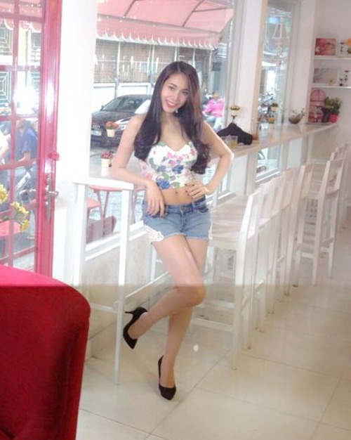 """thuy tien khoe """"eo be, chan thon"""" cuc nuot - 3"""