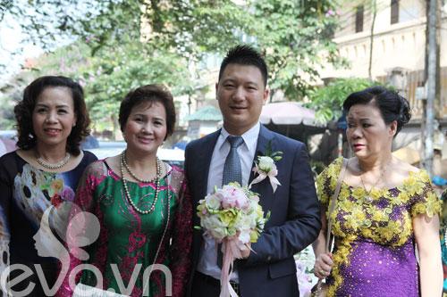 'hoa nang' tien my dung ve nha chong - 2