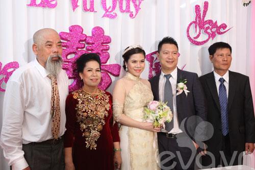 'hoa nang' tien my dung ve nha chong - 5