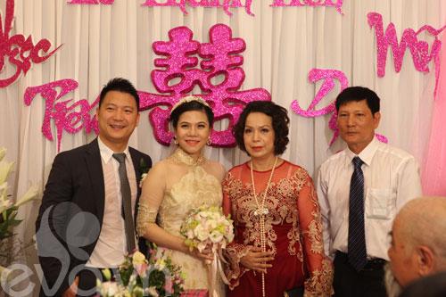 'hoa nang' tien my dung ve nha chong - 14