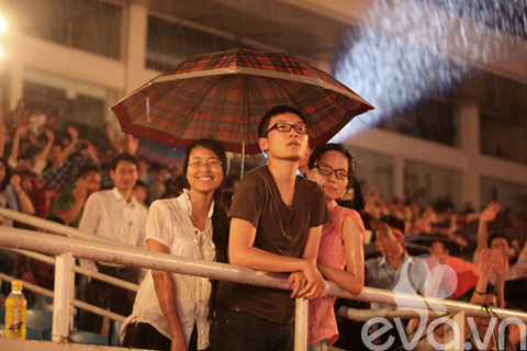 be linh chi may man duoc gap nick vujicic - 15