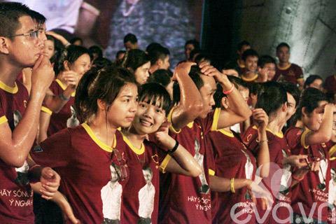 be linh chi may man duoc gap nick vujicic - 17
