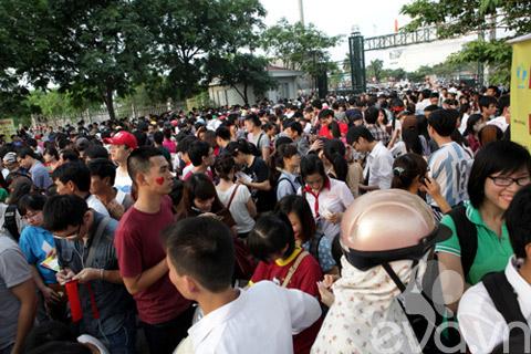 be linh chi may man duoc gap nick vujicic - 1