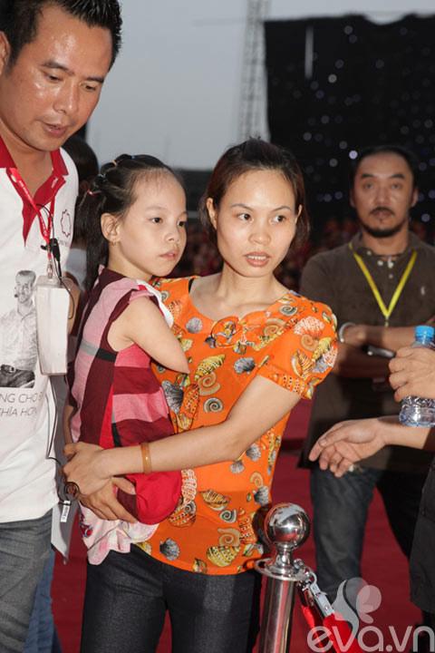 be linh chi may man duoc gap nick vujicic - 2