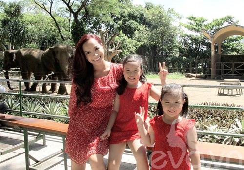"""thuy hanh dan 2 """"cong chua"""" di thao cam vien - 6"""