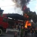 Tin tức - Cháy ở cây xăng: 8 cảnh sát nhập viện