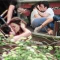 Làng sao - Katie Holmes ôm hôn bạn diễn say đắm