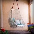 Nhà đẹp - Lủng lẳng ghế treo làm duyên nhà điệu