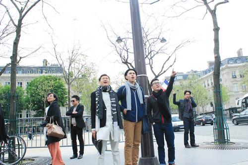 Top 3 Project Runway thăm thú Paris-3