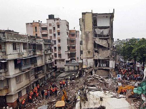Sập nhà kinh hoàng ở Ấn Độ và Trung Quốc-2