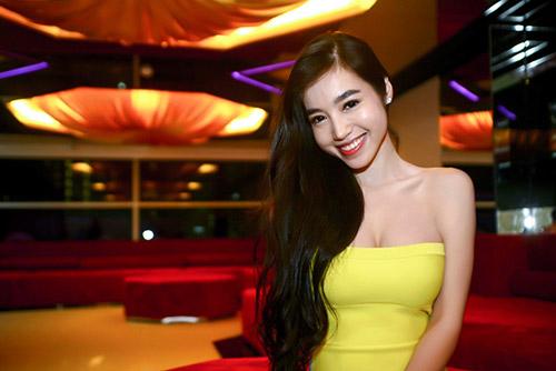 """Elly Trần sexy """"rủ"""" Phan Anh đi học thể dục - 3"""