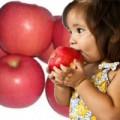 Làm mẹ - Táo - 'trái vàng' cho sức khỏe của bé