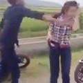 Tin tức - Nữ sinh bị thanh niên tát tới tấp giữa đường