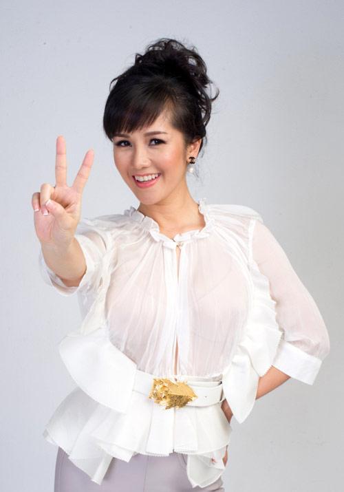 """hong nhung: toi phai """"vat va"""" dua cac em ve - 9"""