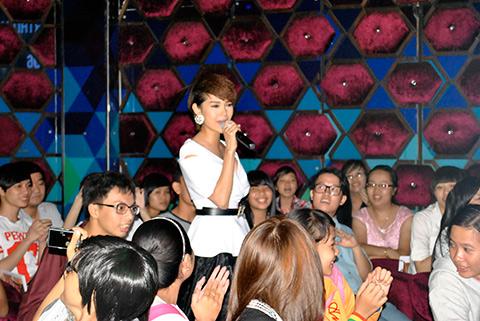 """mai phuong thuy """"bui bam"""" di du sinh nhat - 11"""