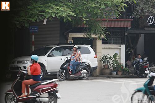 vo chong baggio phong xe khong doi mu bao hiem - 4