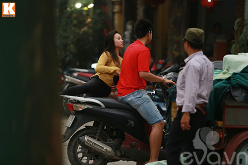 vo chong baggio phong xe khong doi mu bao hiem - 7