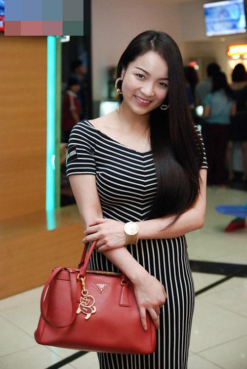 can nang 'khung' cua hot girl viet - 1