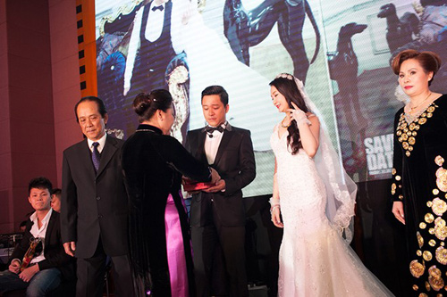 tuan hung hat tang vo trong le cuoi - 4