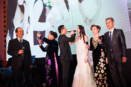 tuan hung hat tang vo trong le cuoi - 8