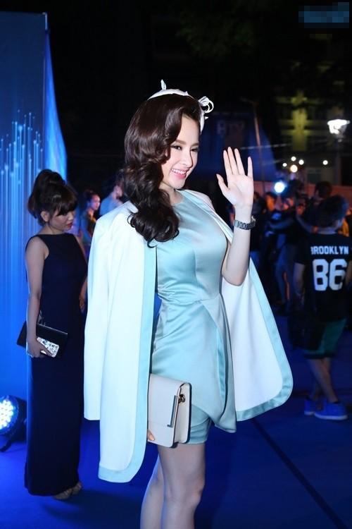 "ba tung ""lu mo"" truoc angela phuong trinh - 4"